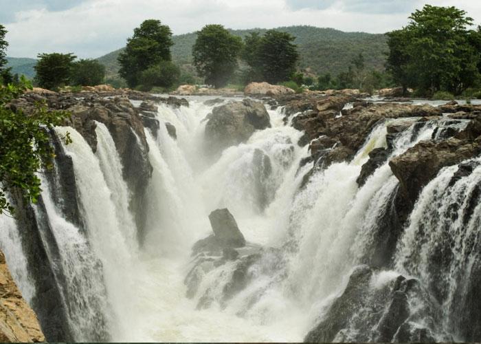 Hogenakkal Falls in Karnataka