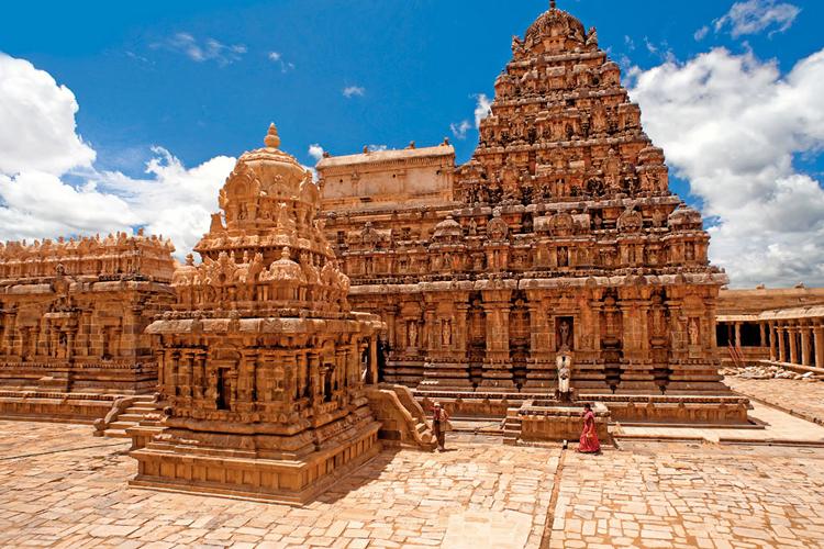 places-to-visit-near-chennai-within-300-Kumbakonam