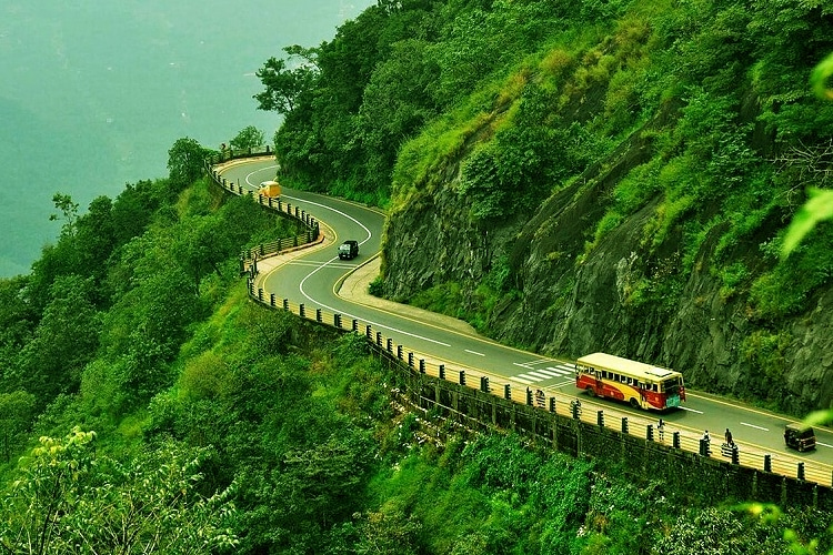 places-to-visit-in-kerala-with-family-wayanad