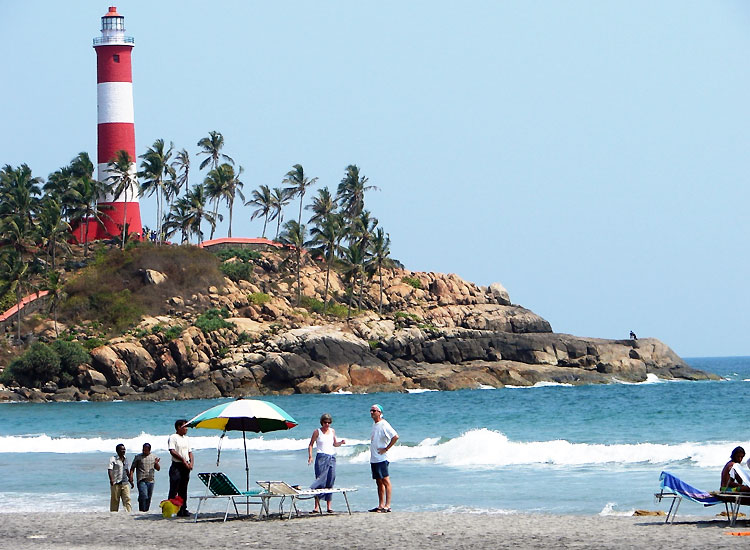 places-to-visit-in-kerala-with-family-kovalam