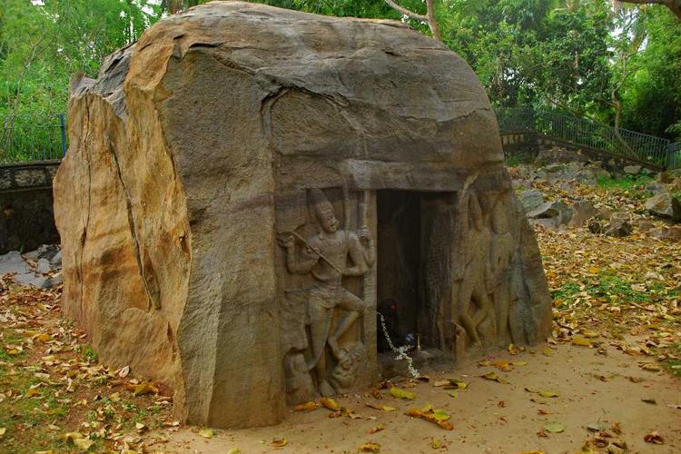 Vizhinjam-Rock-Cut-Cave-Temple